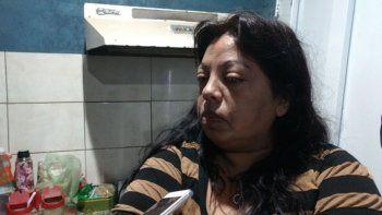 La madre de Estefanía Derves, quien fue brutalmente golpeada.
