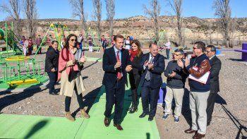 El gobernador Omar Gutiérrez y el intendente Hugo Moenne destacaron la importancia de esta área recreativa.