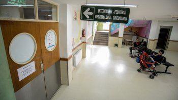 El hospital de Centenario fue centro de la polémica en en estos días.