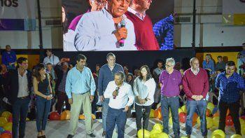 En el lanzamiento de Cambiemos el año pasado, Karina Montecinos siempre estuvo al lado de Horacio Quiroga.