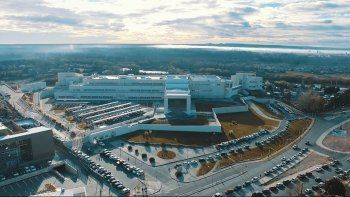 Una obra monumental: conocé el edificio de la Legislatura neuquina desde el cielo
