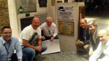 la academia homenajeo a su socio carlos gardel en colombia