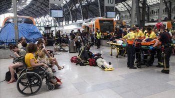 se registraron al menos 54 heridos en accidente de tren en barcelona