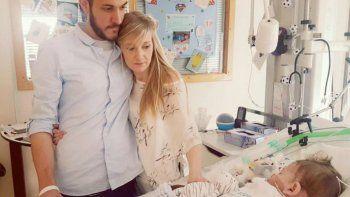 Murió el bebé inglés que conmovió al mundo por su enfermedad