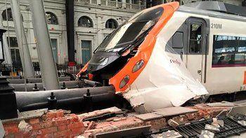 El accidente provocó 54 heridos, uno de ellos de gravedad.