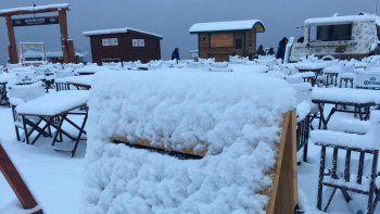 En Chapelco nevó intensamente durante toda la jornada.