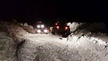 Gendarmería rescató a 23 personas varadas en la nieve