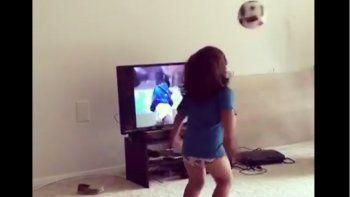 Bebé imita a Maradona y enternece en las redes