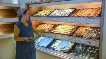Los panaderos dicen que antes hacían cola para comprar, ahora no.