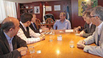 El intendente encabezó la reunión con empresarios.