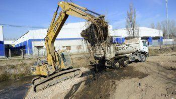 Triste récord: sacaron 15 toneladas de mugre por día en dos canales