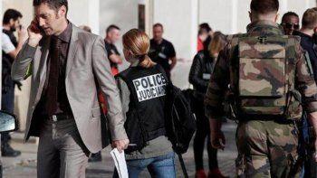 Otro ataque: atropellaron a seis militares en las afueras de París