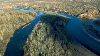 La Confluencia desde el cielo: un paseo único por los ríos Neuquén y Limay