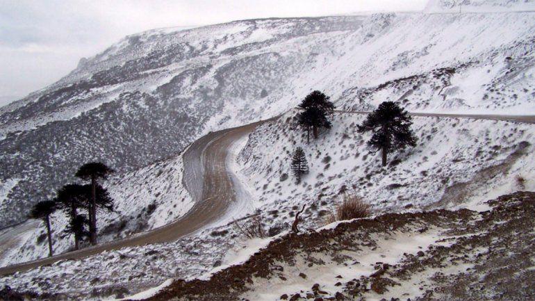 Rutas y pasos internacionales intransitables por la nieve