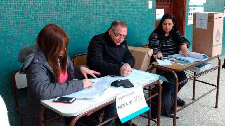 Luis Juez, fiscal de mesa en Córdoba