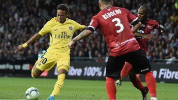 empezo a pagar: neymar hizo un gol en el triunfo 3 a 0 del psg