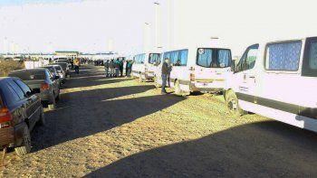 Operarios de OPS impiden el acceso al yacimiento Loma Campana