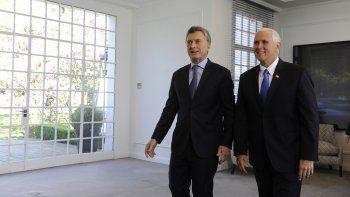 Pence felicitó a Macri por los audaces cambios