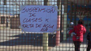 La Escuela 302 fue uno de los establecimientos que tuvo que suspender las clases por falta de agua.