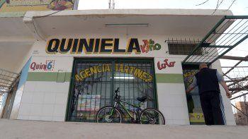 La agencia de quiniela 241 de calle Honduras y Guillén, en Centenario.