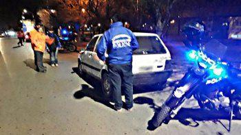 El auto adulterado circulaba por calle Libertad, en Plottier.