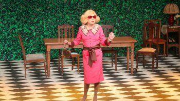 El actor llega a Neuquén con Casa Valentina, la comedia que indaga sobre el fenómeno crossdressing. Se presentará hoy a las 22 y mañana a las 21 en el Casino.