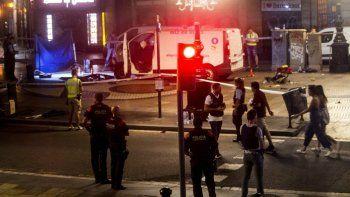 frustran segundo atentado: tiroteo deja cuatro terroristas muertos