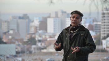 El sacerdote Fabián Arias sufrió en carne propia el rigor con que se trata a los inmigrantes en Estados Unidos. Ahora se juega por los jóvenes indocumentados en riesgo de ser deportados.