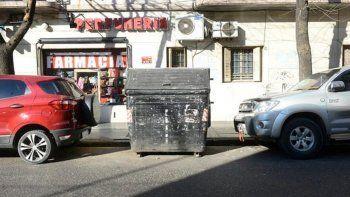 Encuentran a una bebé en un contenedor de basura en Palermo