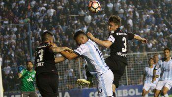 Independiente no pudo en Tucumán y deberá revertir la serie de local