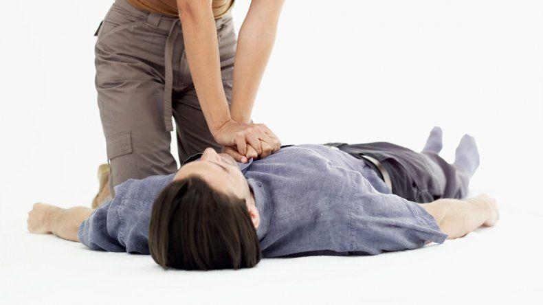 La rapidez en iniciar la maniobra es esencial para que el paciente sobreviva.