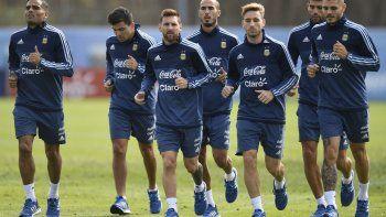 Sampaoli insiste con Di María y Acuña volvería a ser lateral