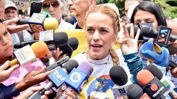 Esposa de Leopoldo López dijo que le prohibieron ir a Europa.