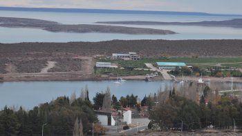 El gobierno provincial ya entregó 690 hectáreas para desarrollar la Villa El Chocón. En cinco años esperan potenciar el lugar como destino.