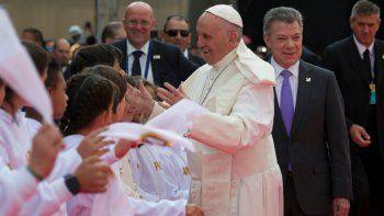 Francisco ya está en Colombia para una visita por la paz
