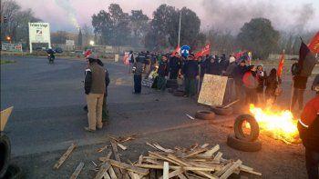 Trabajadores de la maderera MAM levantaron el corte en Ruta 7