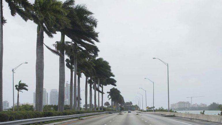 Resultado de imagen de imagen de ciudad de miami en toque de queda