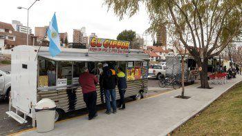 El primer carro gastronómico se instaló en la Plaza de la Mujer.