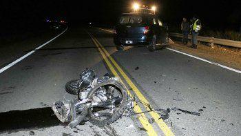 Una motociclista murió tras un tremendo choque frontal