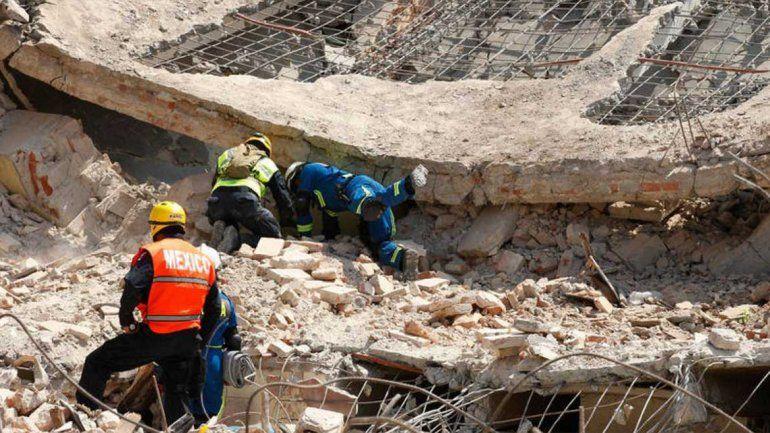 Se eleva a 90 el número de muertos por el terremoto