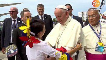 Francisco llegó a Cartagena para dar una misa multitudinaria y cerrar su visita oficial