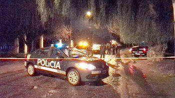 El hecho ocurrió a la salida de un bar en Mendoza. La acusada, una jugadora de hockey, está internada y detenida.