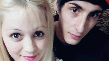 Karina dialogó con LM Neuquén en la puerta de la clínica donde está internado su hijo tras el brutal accidente. Su nuera Marisol salió del coma.