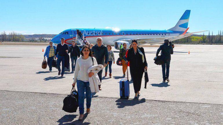 Llegó a Neuquén el primer vuelo desde Bahía Blanca