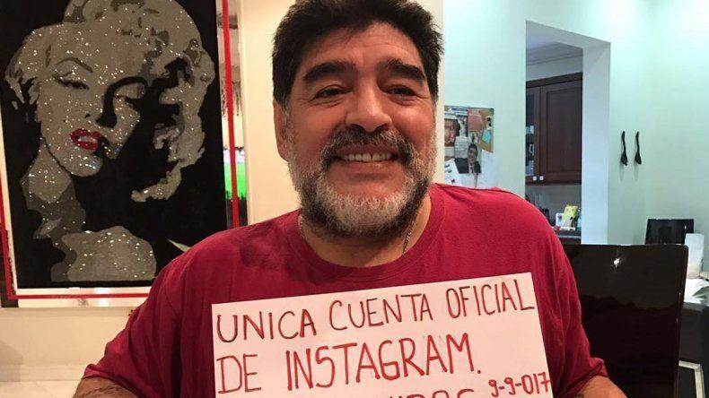 El Diez inauguró su cuenta de Instagram a pura polémica.