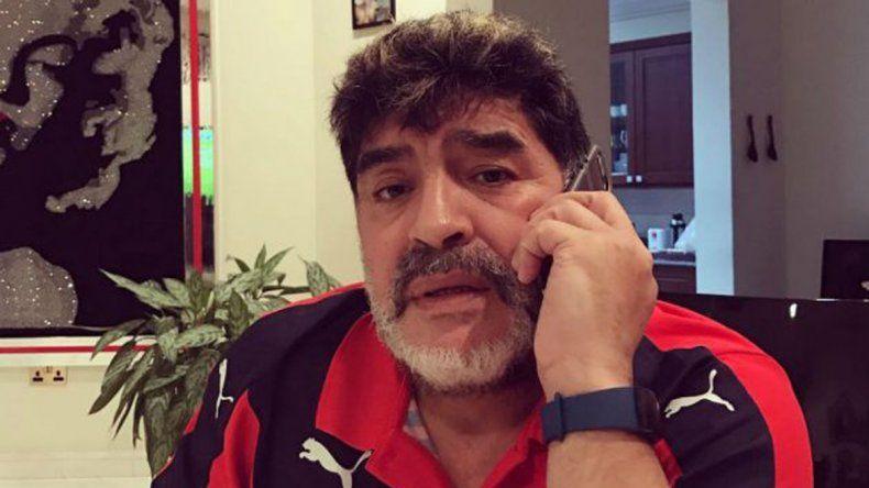 El ex entrenador del seleccionado nacional le sugirió a Mirtha hacer un programa con chicos desaparecidos.