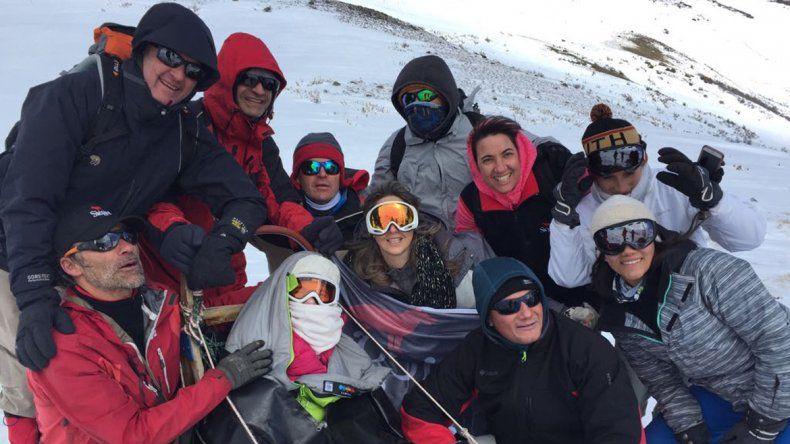 Marga (en el centro) junto al equipo de aventuras.