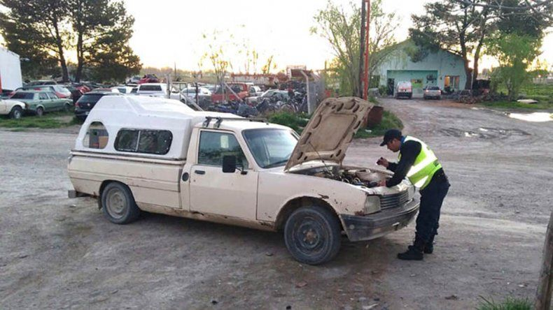 Chichinales: secuestraron una camioneta que fue robada en Neuquén