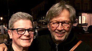 Santaolalla celebró la convocatoria de Clapton como un honor máximo.