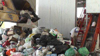El trabajo del CAN se complica porque la basura llega mezclada.